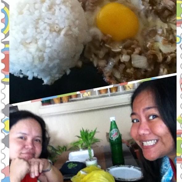 Sizling Sisig With Egg @ Jalen's Budbod