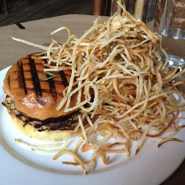 Burger @ The Spotted Pig