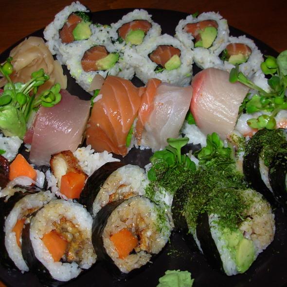 Sushi @ Sushi Zone