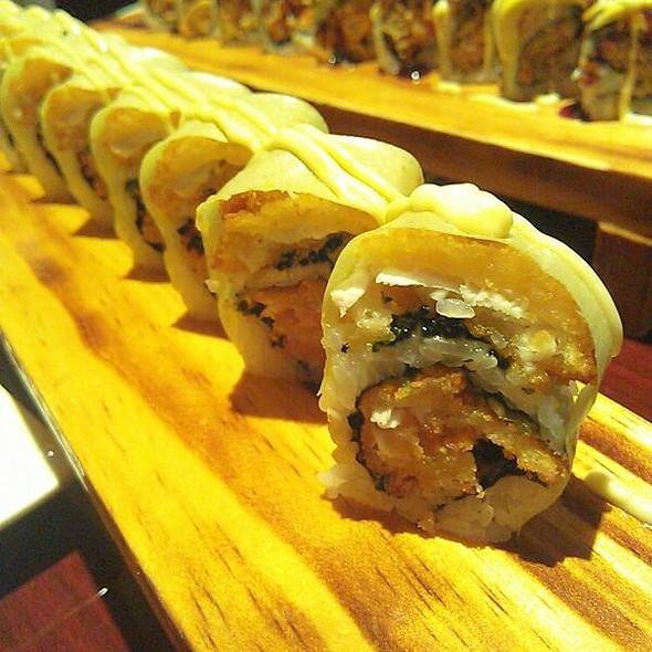 Crispy Ocean Roll @ Hikari Sushi