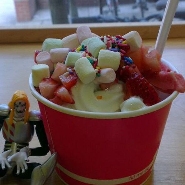Frozen Yogurt @ Razzy Fresh