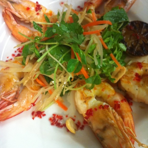Grilled Sharkbay Tiger Prawns With A  Vietnamese Salad Of Green Paw Paw, Carrot, Mint, Corriander, Peanuts, Grilled Lime And A Mellow Chilli Syrup @ Hospitality Inn Port Hedland