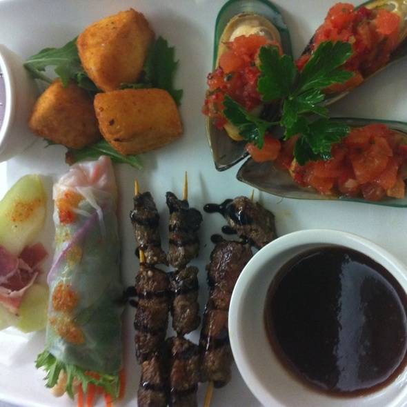 Chefs Tasting Plate- Chilli Mussels, Crumbed Camenbert Cheese, Kangaroo Skewers, Vegitarian Spring Rolls, Proscuitto And Mellon @ Hospitality Inn Port Hedland