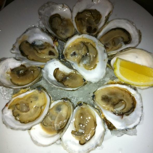 Dozen Oysters @ Rialto
