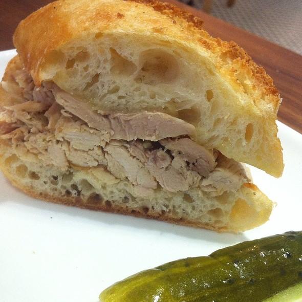 Pulled Chicken Sandwich @ Split Bread