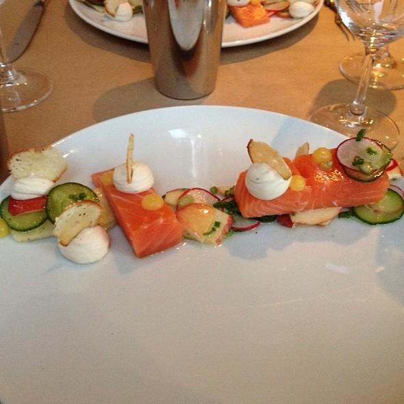 Saumon Sauvage, Creme Fraiche, Legumes Croustillants @ Van Horne
