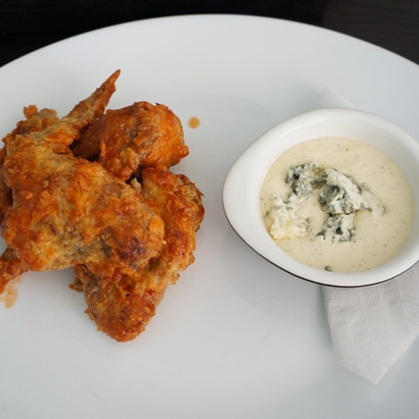 Crispy Buttermilk Chicken Wings
