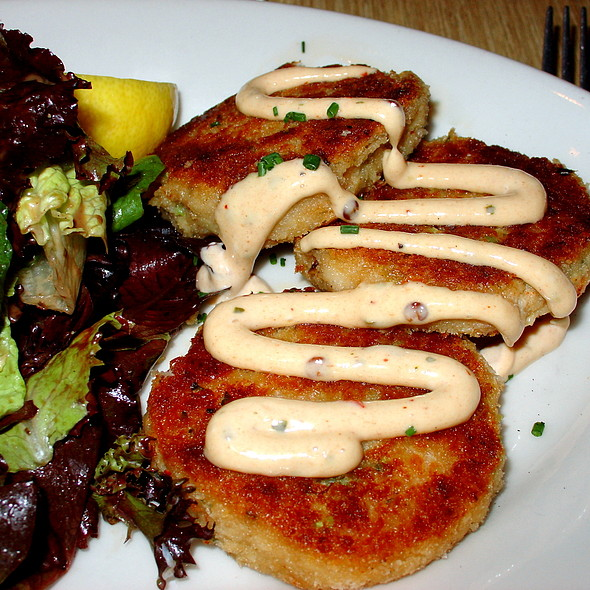 Crabcakes @ Woodhouse Fish Co.