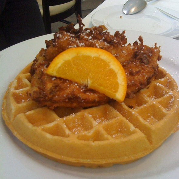Chicken and Waffles @ Hattie's