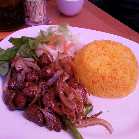 Beef Cubes With Tomato Sauce Rice @ Pho Gia Hoi