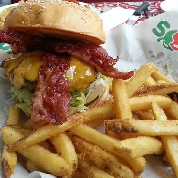 Bacon Cheeseburger @ Chili's (Alabang)