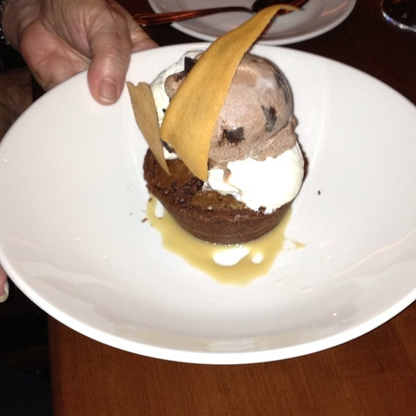 Brownie a la mode - Winewood, Grapevine, TX