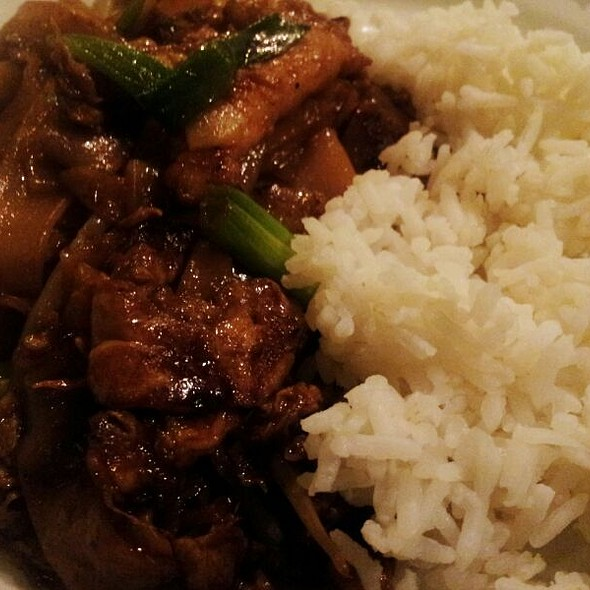 Char Kway Teow (chicken) w/ Rice