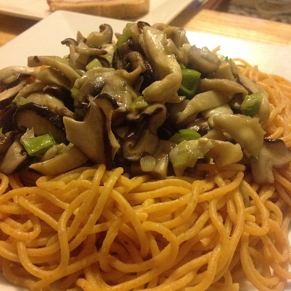 Chilli Spaghetti With Wild Mushrooms @ blowfish kitchen