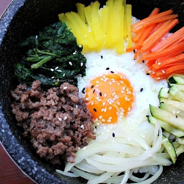 Dolsot Bibimbap @ Juki - Korean BBQ and Soju Bar