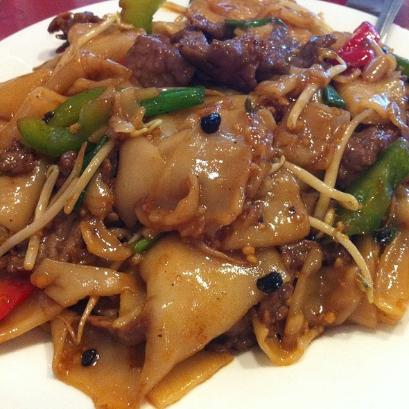 Beef Chow Fun W Black Bean Sauce @ ho ho choy chinese