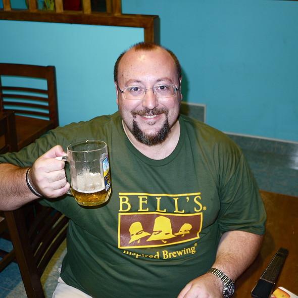 Fox Spots The Paella Man @ Havana One