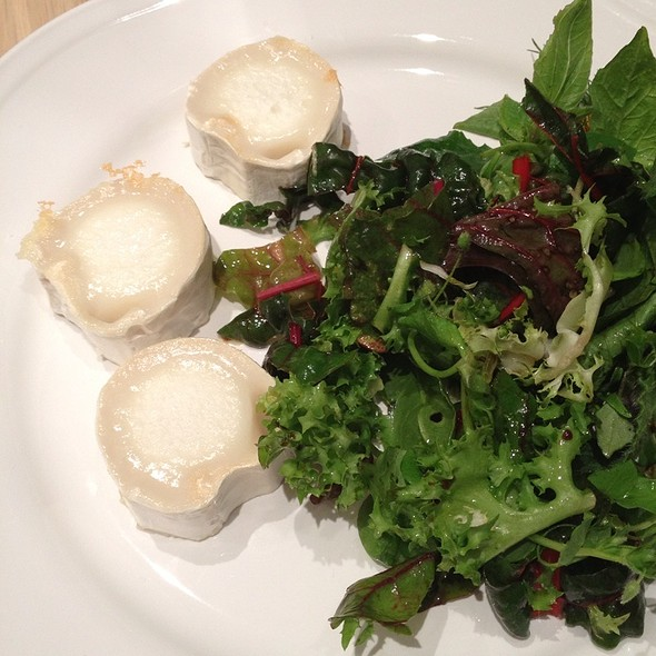 Goat Cheese Salad @ Berlin