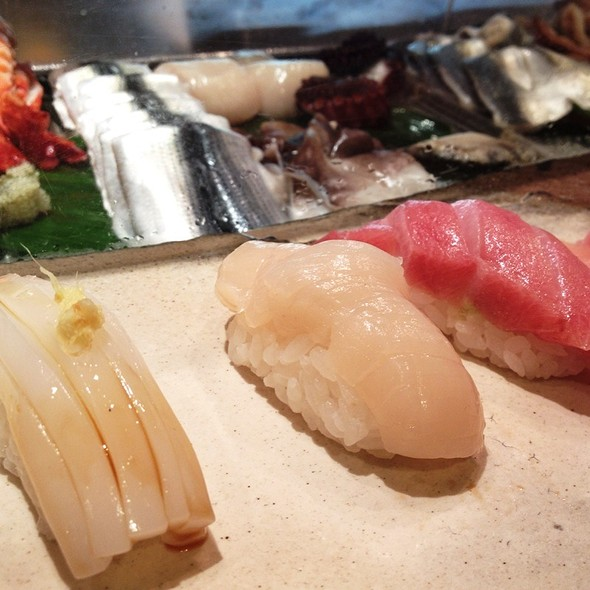 Sushi @ Daimaru