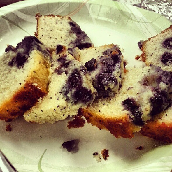 Another winner from our @skrynews. Blueberry poppy seed bread. @ WAND