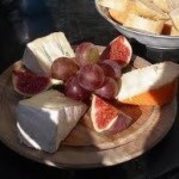 Figs And Brie @ dukpond