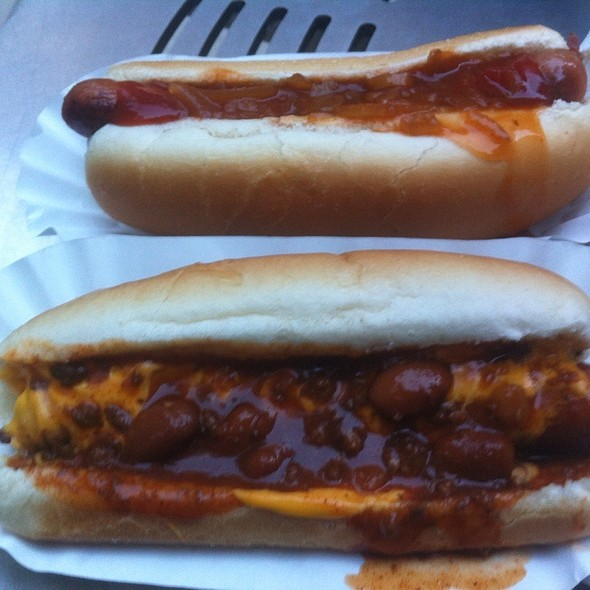 Chilli Cheese Hot Dog @ Papya Dog