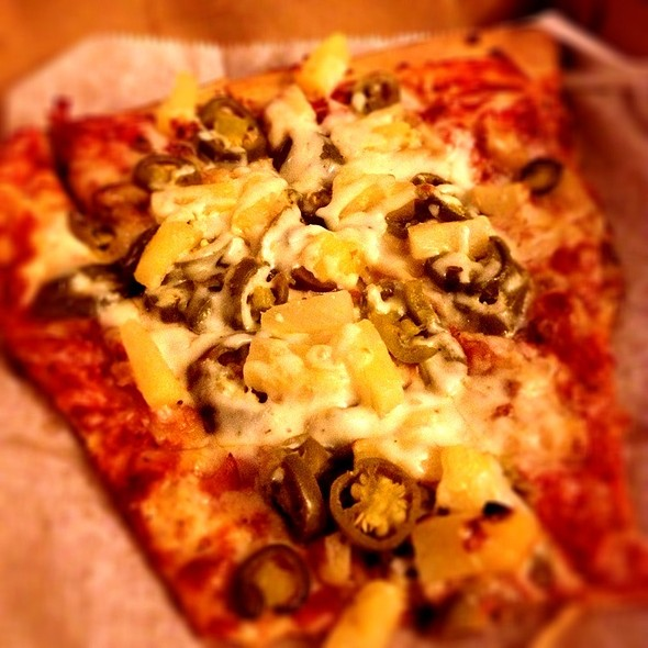 Garlic, Jalepeno & Pinapple Slice