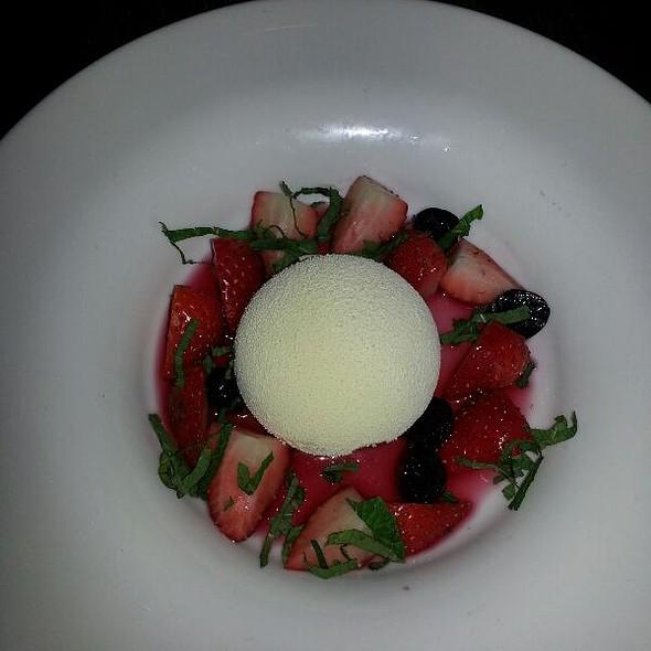 Kirsch, White Chocolate Spumoso