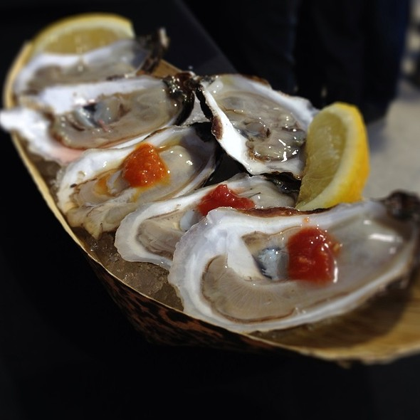 Oysters @ Toronto Underground Market