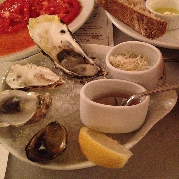 Fresh Oysters @ The Walrus And The Carpenter