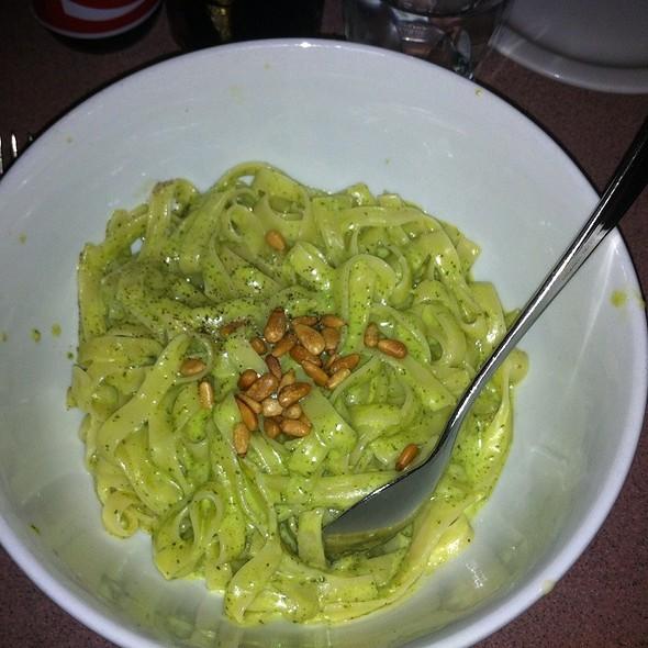 Fettuccine al Pesto @ Nob Hill Cafe