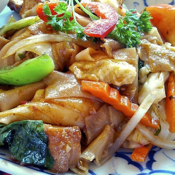 Pad Kee Mow @ Tha Siam