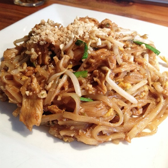 Chef's Special Pad Thai