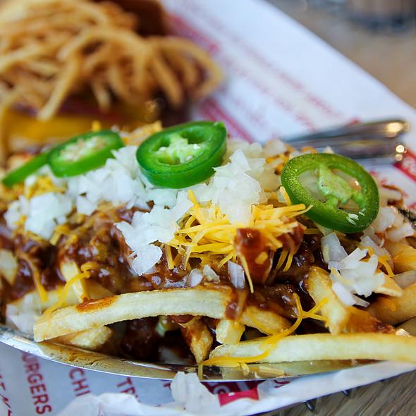 Chili Cheese Fries @ Smashburger