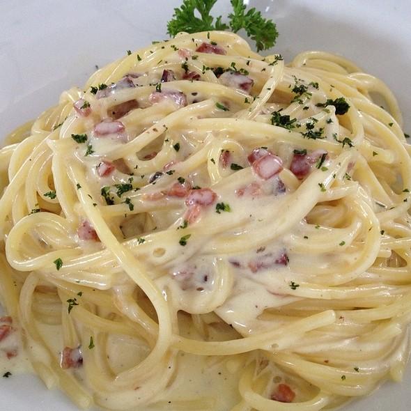 Spaghetti alla Carbonara @ Forneria Capannone