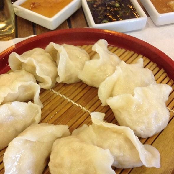Steamed pork & shrimp dumplings