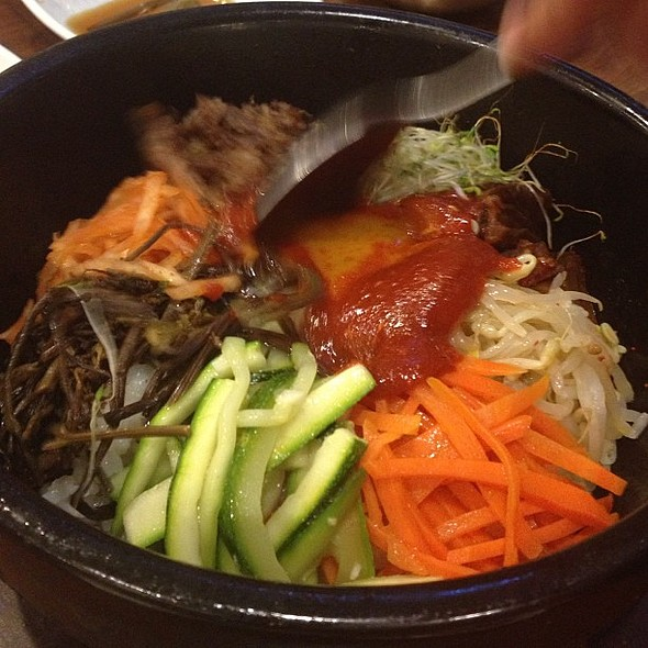 Bibimbap at Bulgogi Brothers Greenbelt @ Bulgogi Brothers
