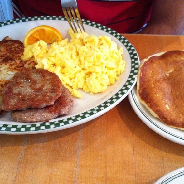 Magnolia Breakfast @ Magnolia Pancake Haus