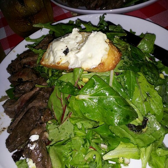 Skirt Steak Salad With Blue Cheese. at The Little House