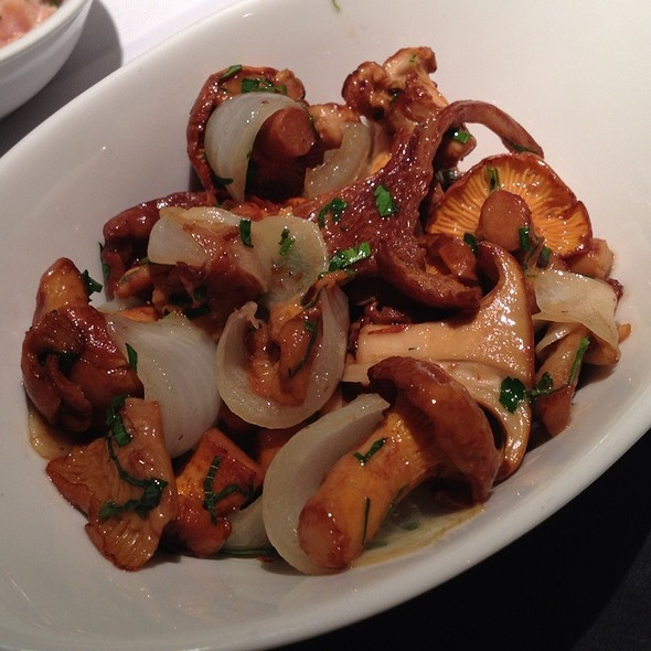 Chantelle Mushrooms Sauteed With Cipiollini Onions @ Blue Water Cafe + Raw Bar