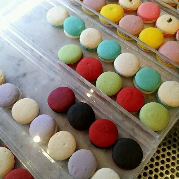 Macarons @ Cafe Concerto