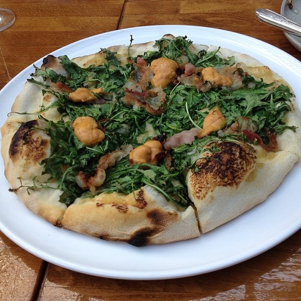 Guanciale/Uni/Roasted Garlic/Arugula Pizza @ The Pass And Provisions