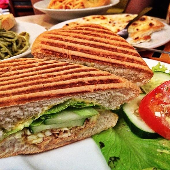 Tuna Sandwich @ Figaro