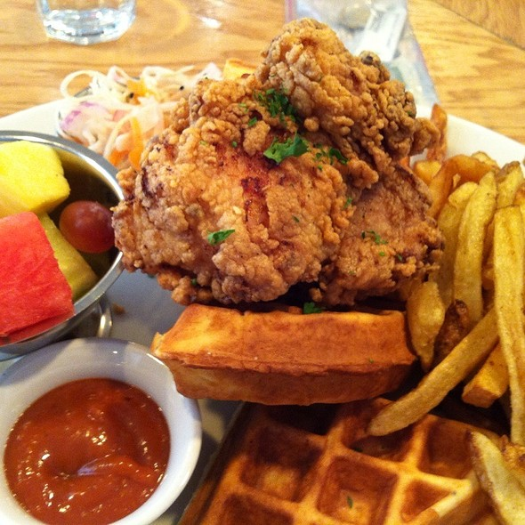 Chicken and Waffles @ Fabergé