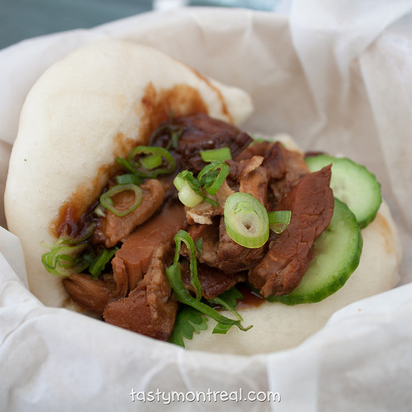 Steamed Pork Bun @ Les Satay Brothers