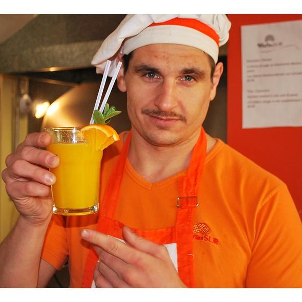 WaflesSUR Orange Juice. @ WaflesSUR San Telmo