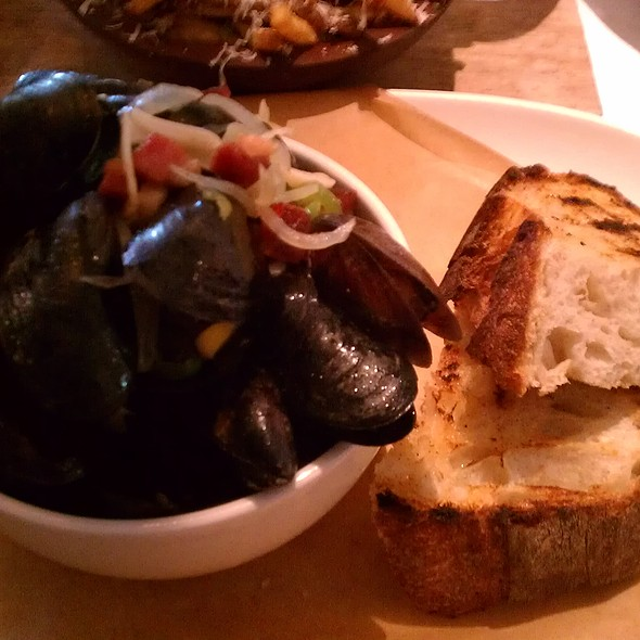"""Angry"" Mussels"
