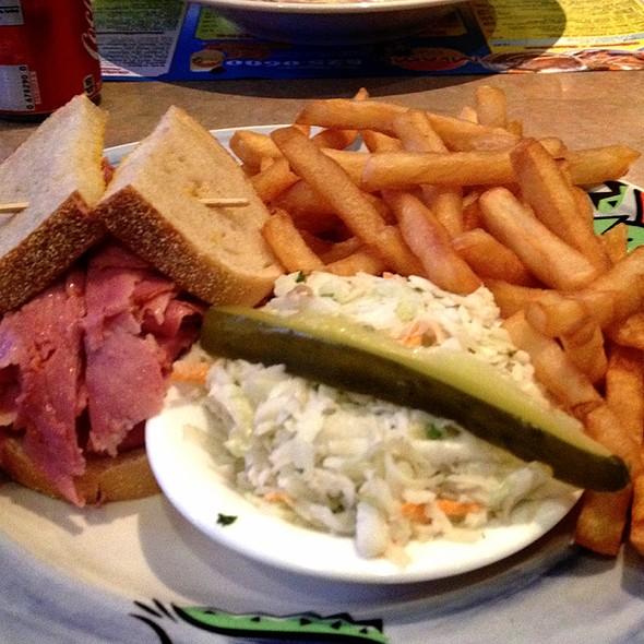 «Miami Déli» special sandwich