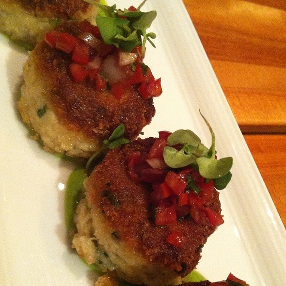 Crab Cakes @ Mgm Grand Hotel & Casino: Wolfgang Puck Bar & Grill