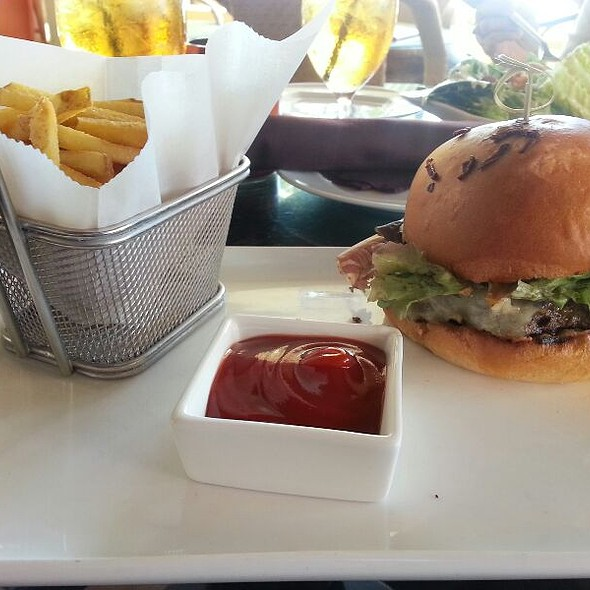 The Burger - RumFire - Sheraton Waikiki, Honolulu, HI
